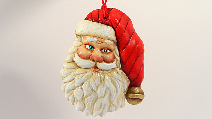 Ustream rebroadcast painted plaster santa ornament for Plaster crafts to paint